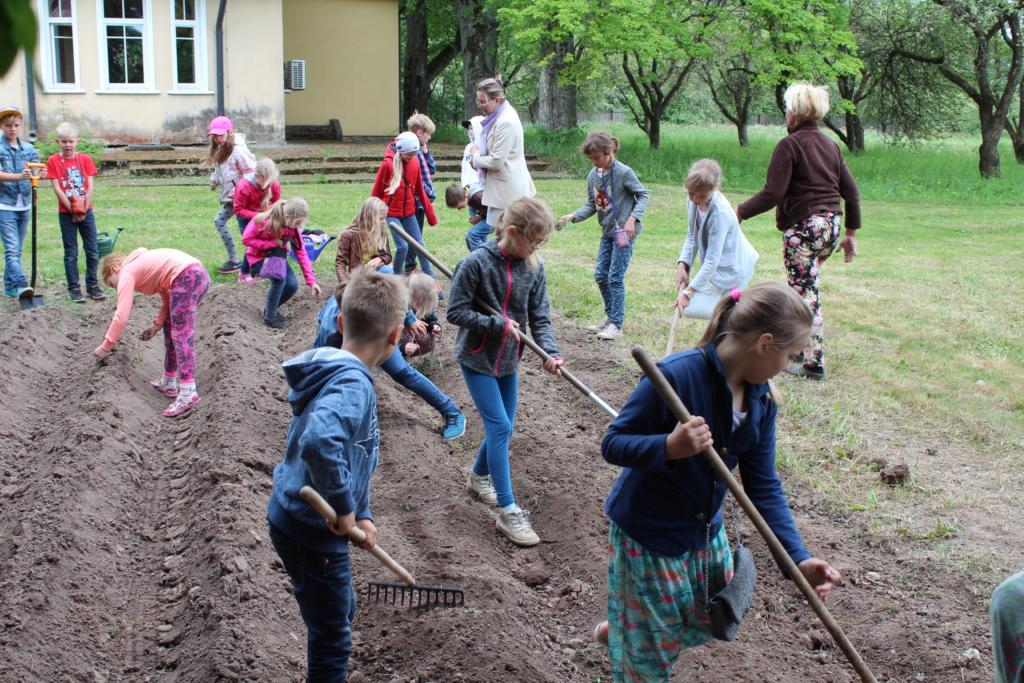 Mahetalusid külastas tänavu üle 2000 lapse