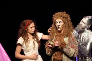 """""""Võlur Ozi"""" tegelased Dorothy (Adeele Sepp), Lõvi (Aarne Soro) ja Plekkmees (Karl Robert Saaremäe) Foto:Heigo Teder"""