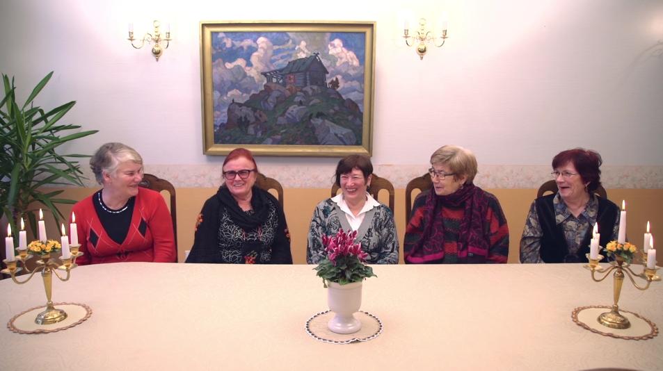 VAATA VIDEOT! Särtsakad naispensionärid tõestavad, et ei jää IT-maailmast kõrvale