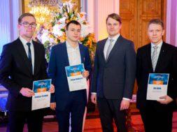 Konkursi võitjad ja Maailma Energeetikanõukogu Eesti rahvuskomitee peasekretär Mihkel Härm