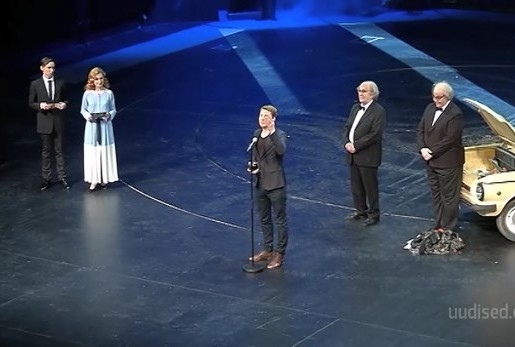Teatrirahva pidupäev! Ugalas tunnustati Eesti teatri parimaid
