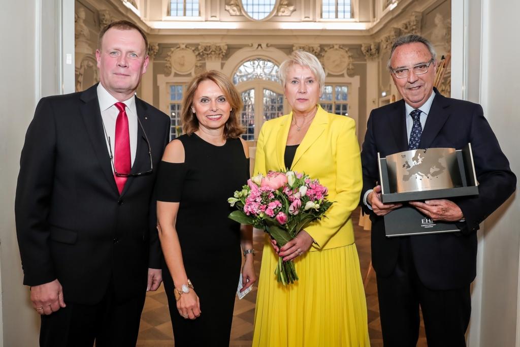 Palju õnne! Eesti turismimaastiku oluline kujundaja Anne Samlik pälvis Euroopa turismiauhinna