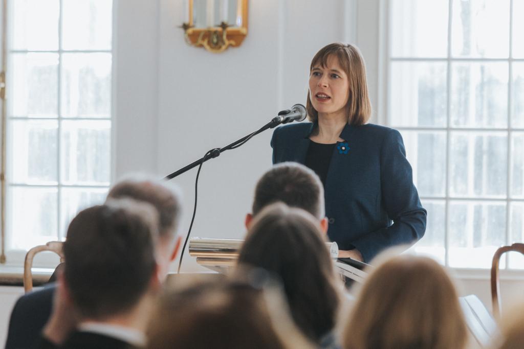 President Kersti Kaljulaid: tunnustagem ja hinnakem meie tagalat hoidvaid isasid