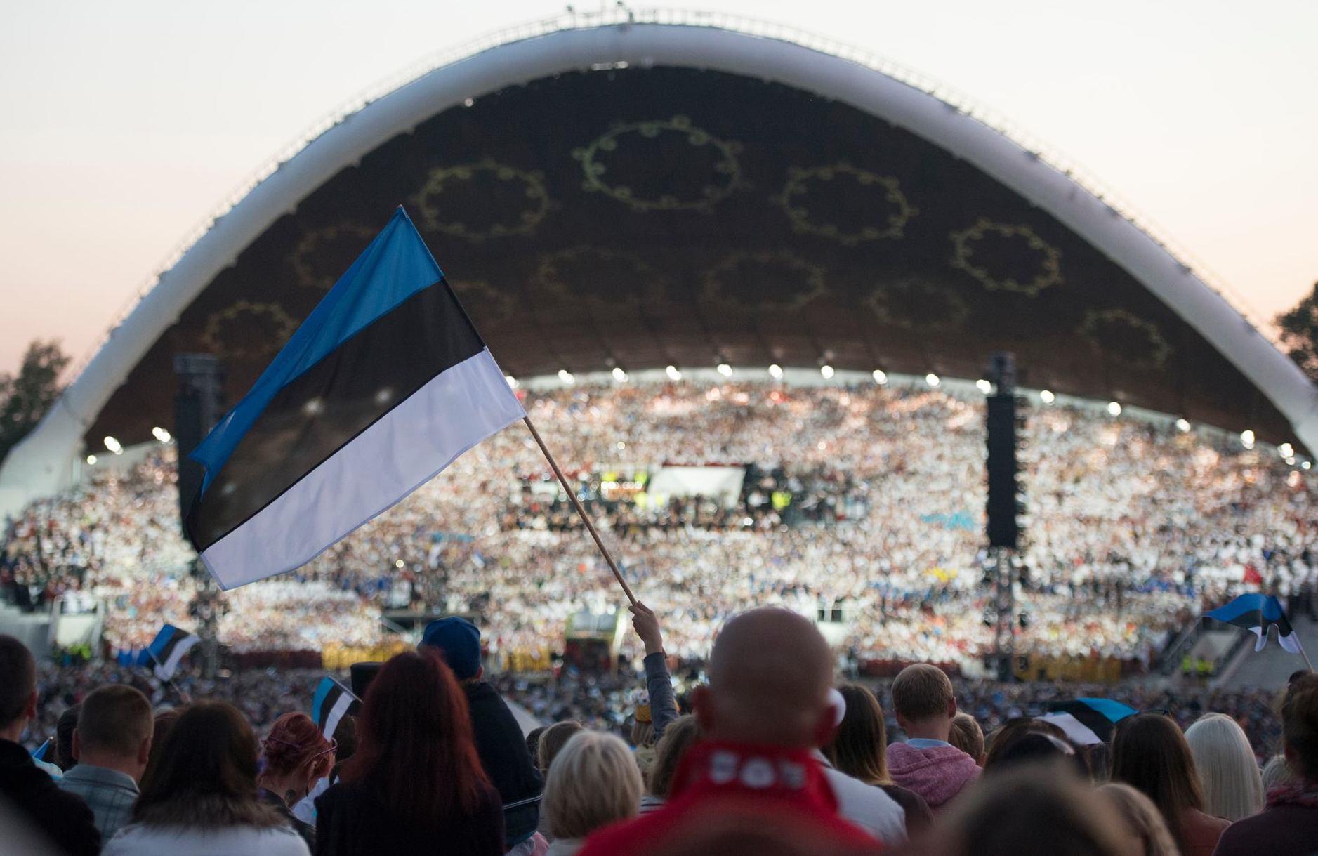 Pühapäeval süüdatakse sajad XII noorte laulu- ja tantsupeo tuled