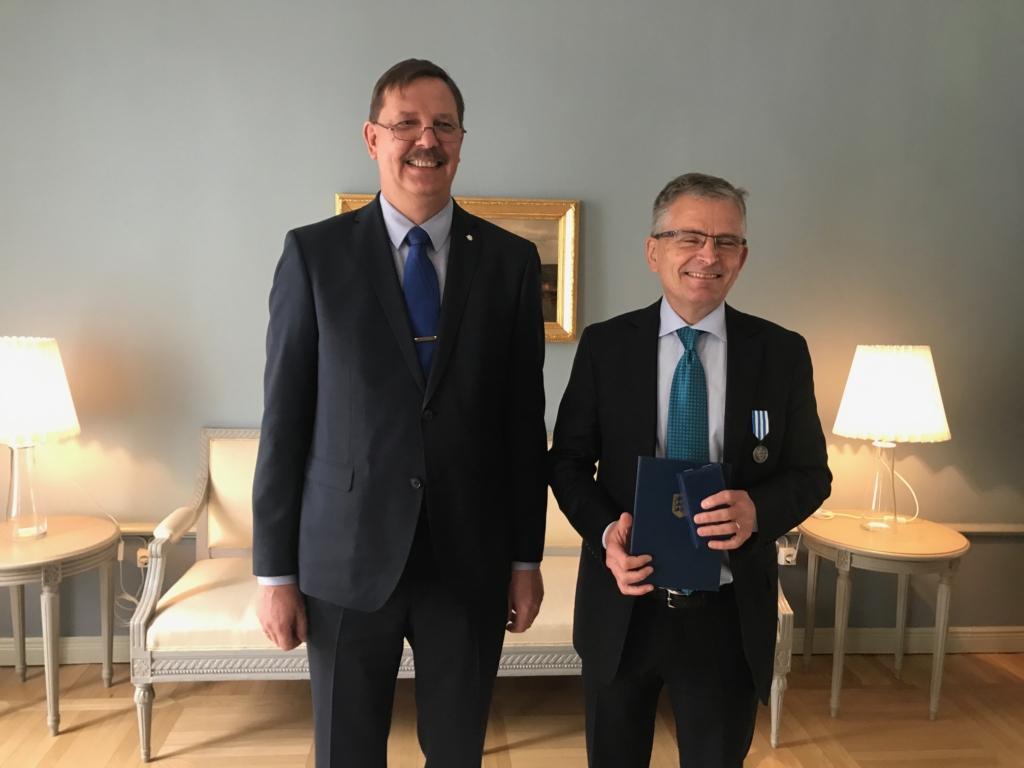 Helsingi linnapead tunnustati Tallinna raemedaliga