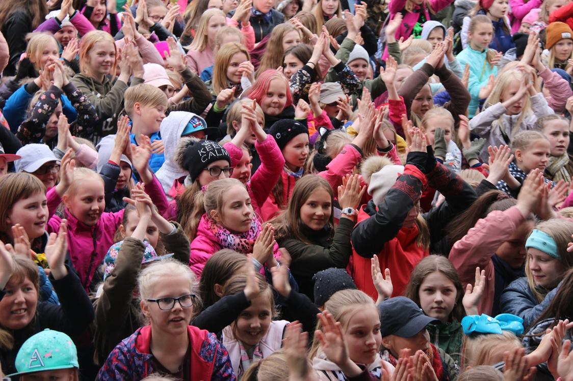 Vabaduse väljakul toimus Eesti suurim flash mob