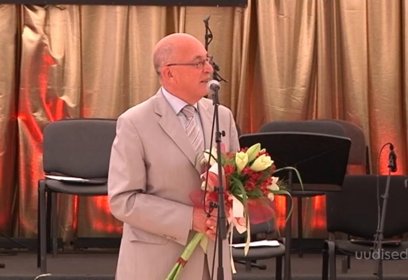 Video! Saaremaa ooperi päevade kunstiline juht Arne Mikk pälvis Kuressaare aukodaniku tiitli