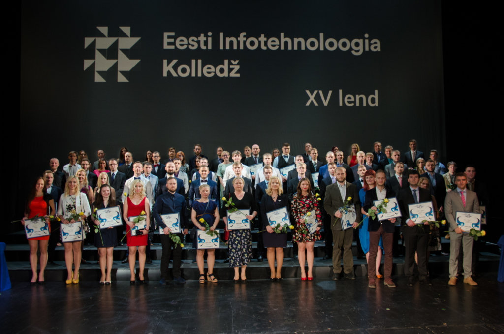 FOTOD!IT Kolledžis tunnustati parimaid õppejõude ja aasta toetajat