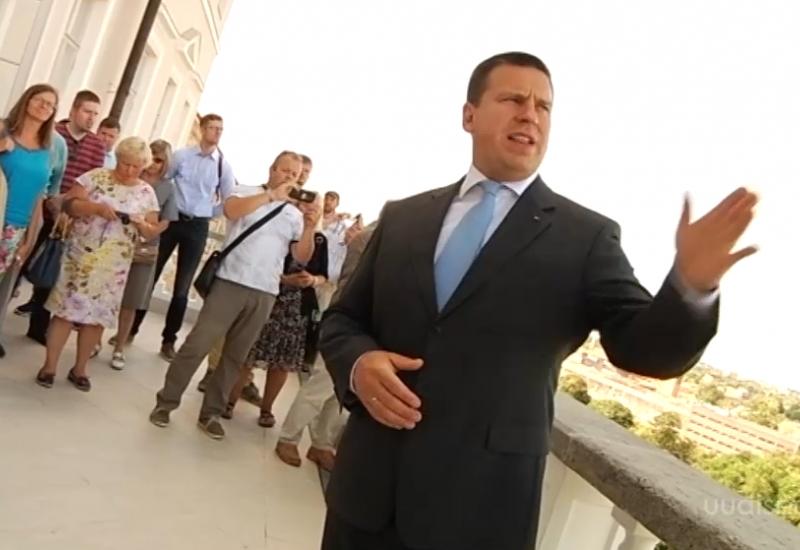 VIDEO! Stenbocki maja avatud uste päeval võõrustas huvilisi peaminister Ratas