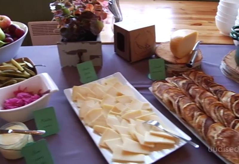 VIDEO! Euroopa põllumajandusministrid mekkisid Muhu leiba ja pannkooke mustikamoosiga