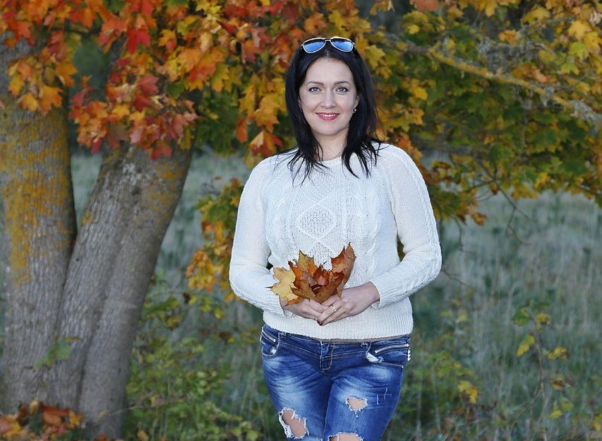 Legendaarse vallavanema Olavi Annuki veetlev tütar Triinu Palmiste toob maaellu sära ja särtsu