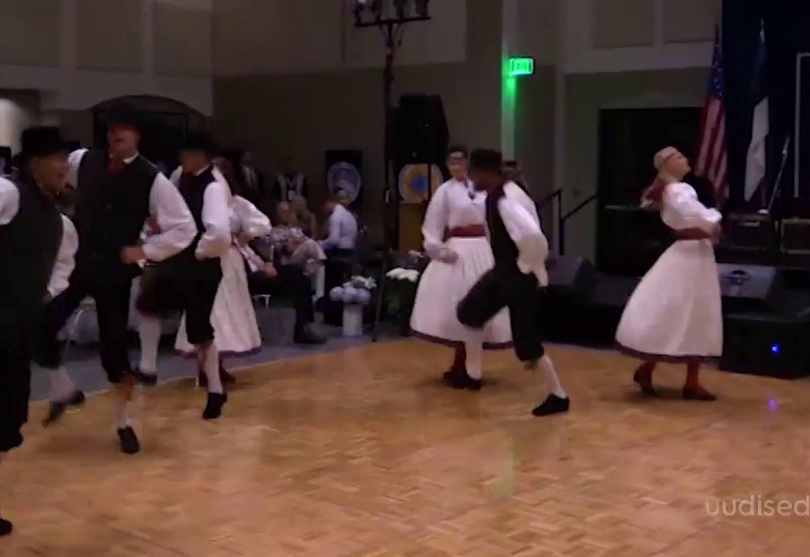 VIDEO! Eestlased mujal! Los Angelese eestlased peavad omakeskis nii laulu kui ka tantsupidu