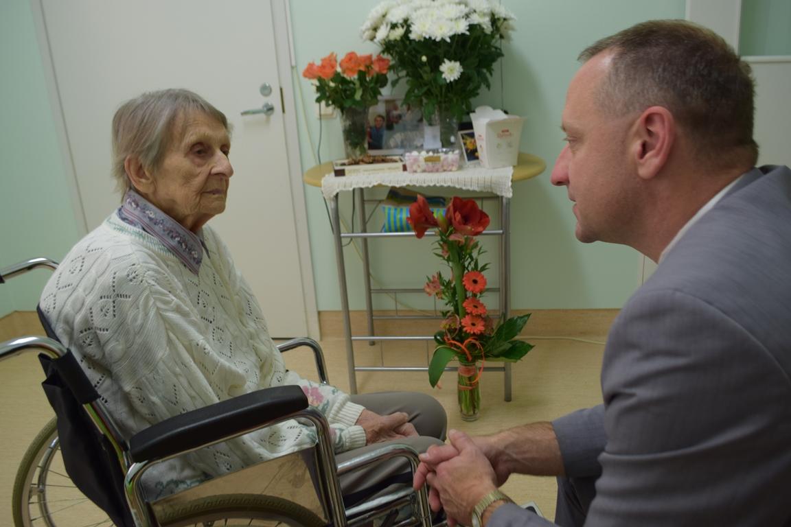 Valga aukodanik Laine Mänd tähistas 90. sünnipäeva