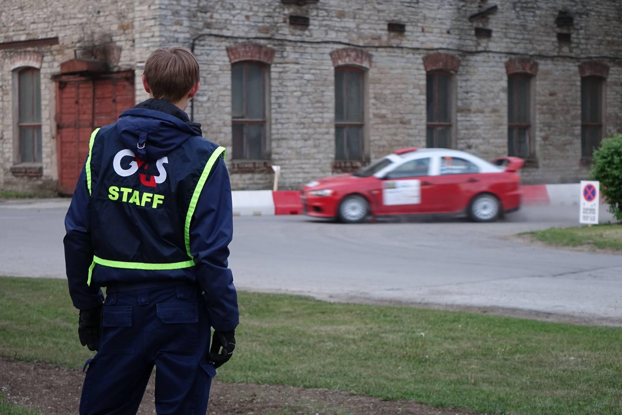 MÄRKA JA TEGUTSE! Turvatöötajad aitasid Tallinna südalinnas roolijoodiku kinni pidada