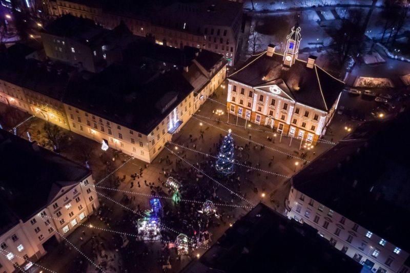 LISATUD VIDEOD! Kolmas advendinädalavahetus toob Tartu raekoja platsile 500 rahvatantsijat
