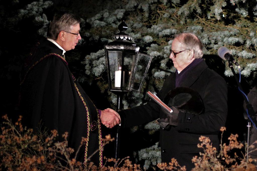 FOTOD! Jõgeval kuulutati kogu Eestimaale välja jõulurahu