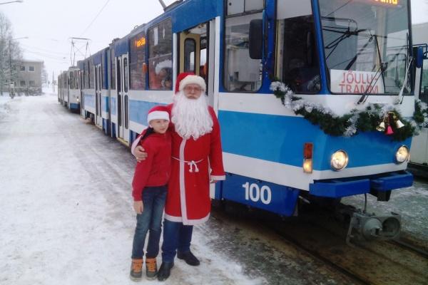 Tallinnas sõidavad nädalavahetusel jõulutramm ja -troll