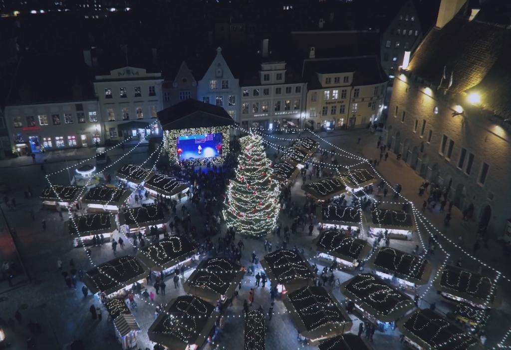 MAAGILINE JÕULUTURU VIDEO! Jaak Juske: eestlased on pannud aluse avaliku jõulupuu traditsioonile