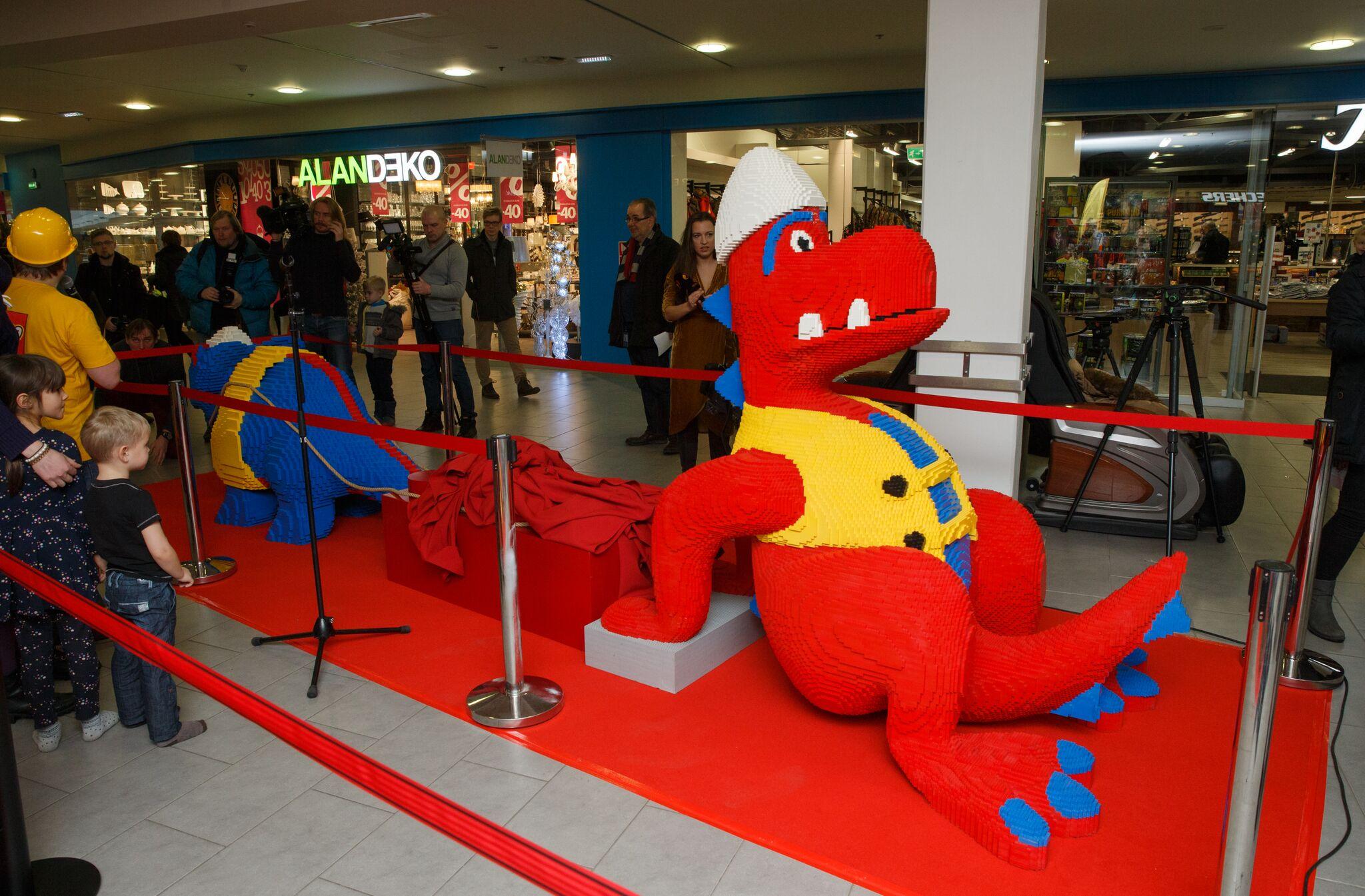 Galerii! Tallinnas avatu LEGO festival