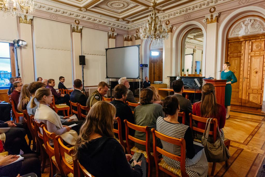 President Kaljulaid: me ei tohi tarku masinaid kasutades ise rumalamaks jääda