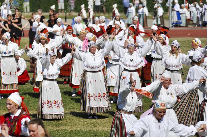 """Talvine tantsupäev """"Aidaaluse tantsud"""" toob kokku ligi 900 tantsijat"""
