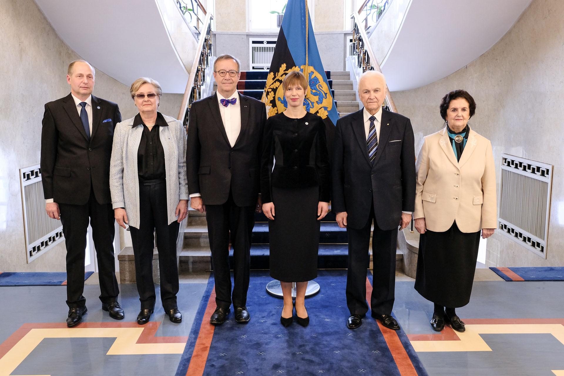 FOTO! Kadriorus toimus esmakordselt riigipeade ja abikaasade lõuna