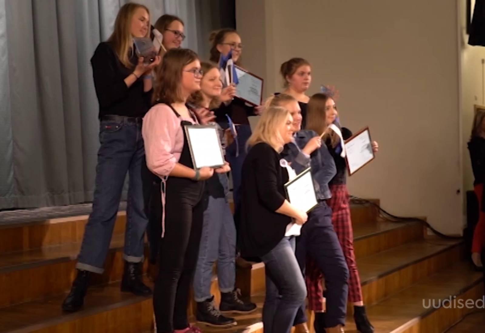 Video! Jõgeval kõlasid taaskord Alo Mattiiseni laulud