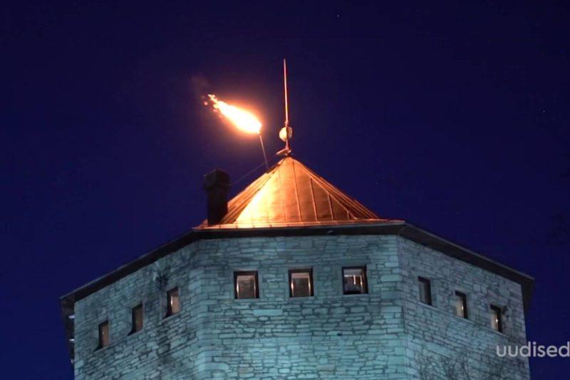 VIDEO! Jüriöö märgutuled kandusid üle Eesti