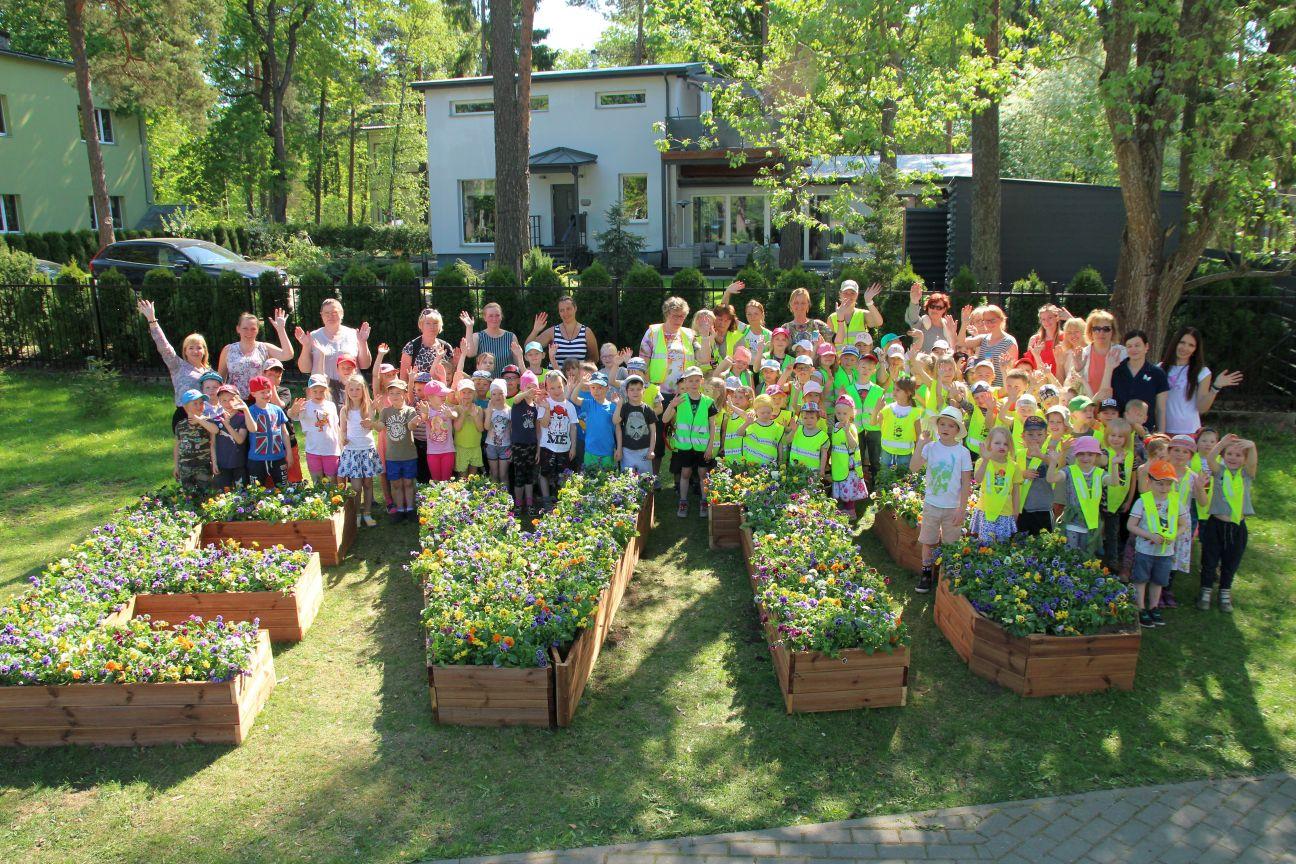 Lilli pole kunagi liiga palju! Lasteaialapsed tegid EV100 auks  valmis erilise logo