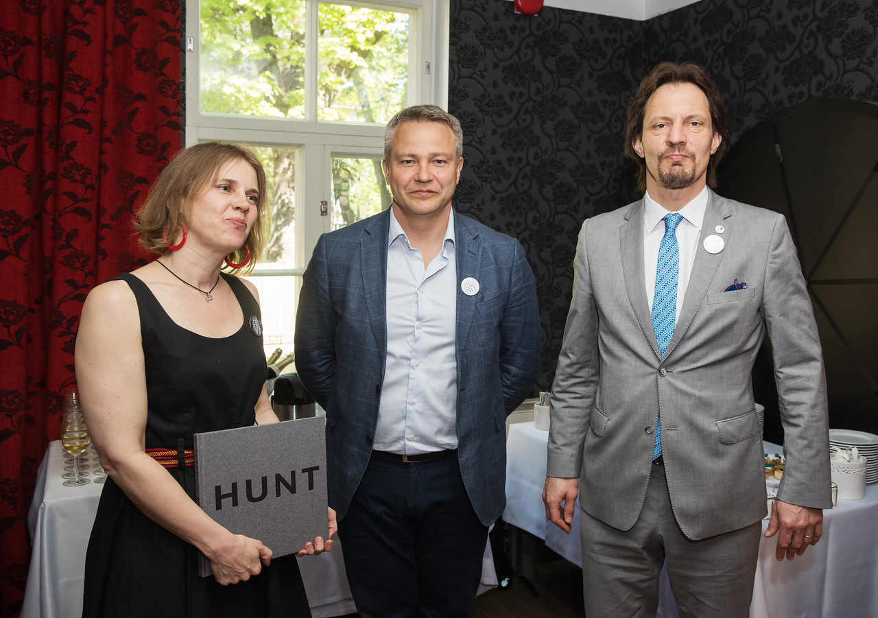 """FOTOD! Eesti rahvuslooma auks anti välja kogumik """"Hunt"""""""