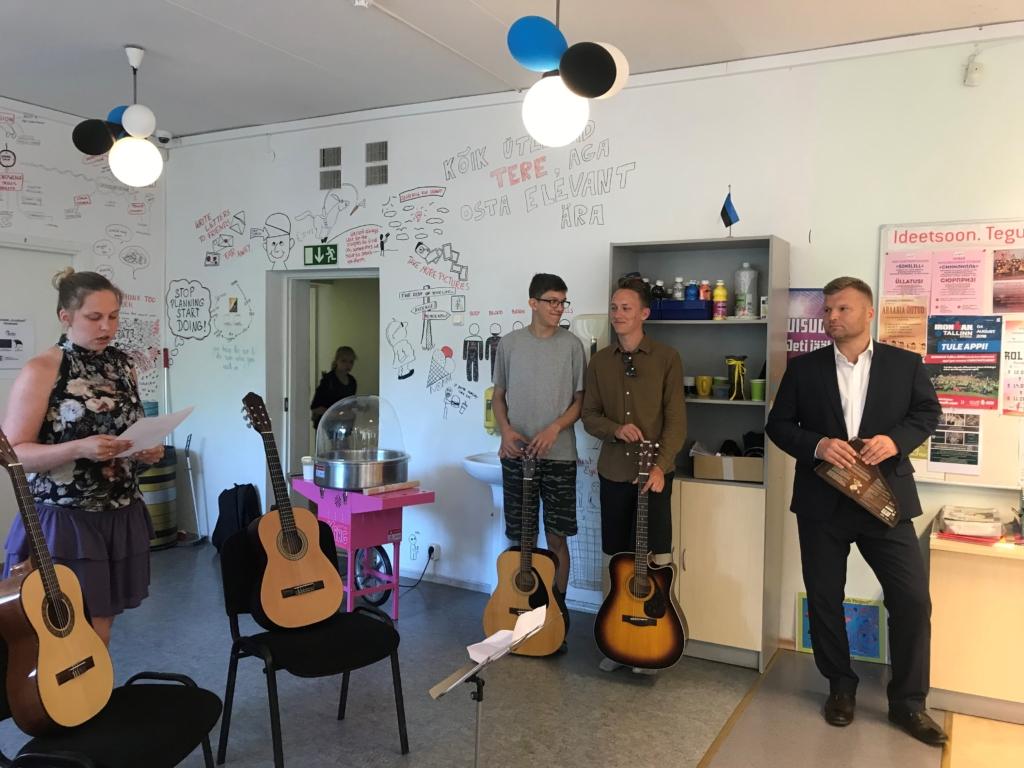 Mustamäel avati noortele muusikatuba