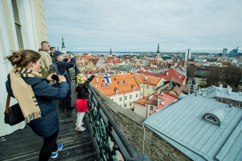 Õpilased võistlevad Tallinna südalinnas orienteerumismängus