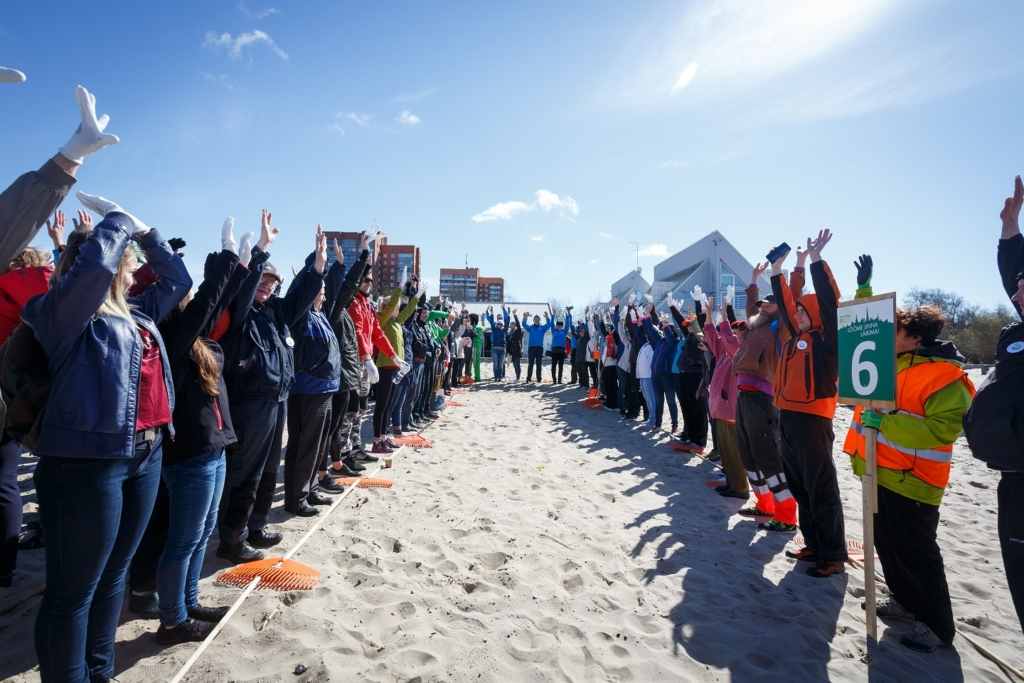 FOTOD! Stroomi rannatalgutel koristati üle 20 tonni prügi
