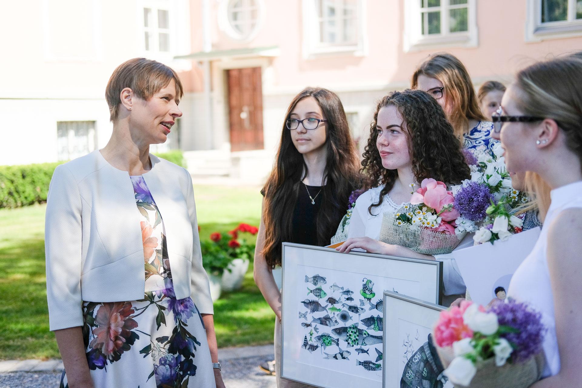 President Kersti Kaljulaid lastekaitsepäeval: oluline on hoida neid, kes edaspidi hoiavad meie Eestit