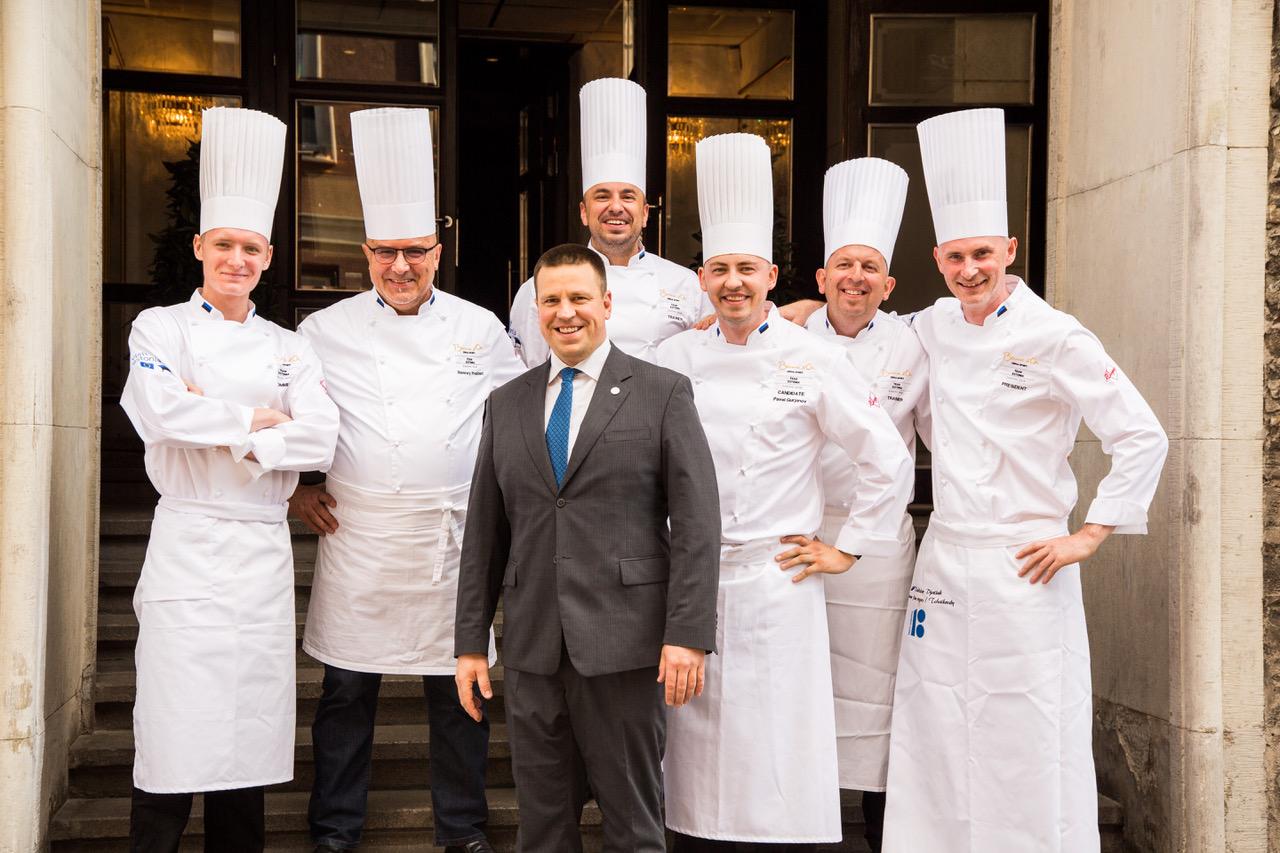 FOTOD! Peaminister saatis eesti kokandusmeeskonna teele võistlusele Itaaliasse