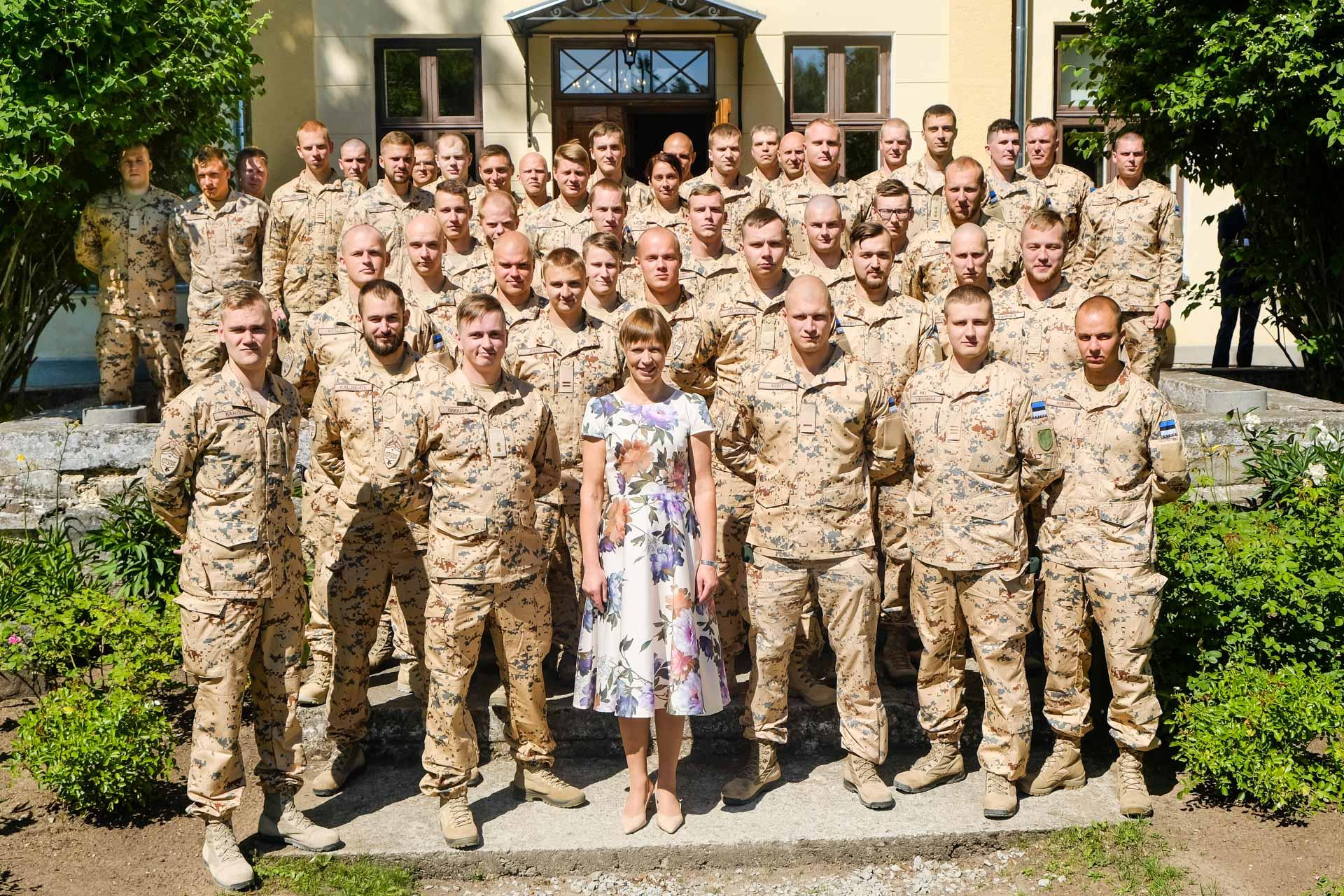 President Kaljulaid saatis jalaväerühma teele Malisse