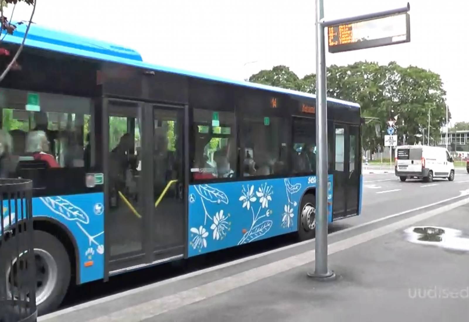 TASUTA SÕIT KÕIGILE I Tallinna ühistranspordis on sõit kõigile tasuta mai lõpuni
