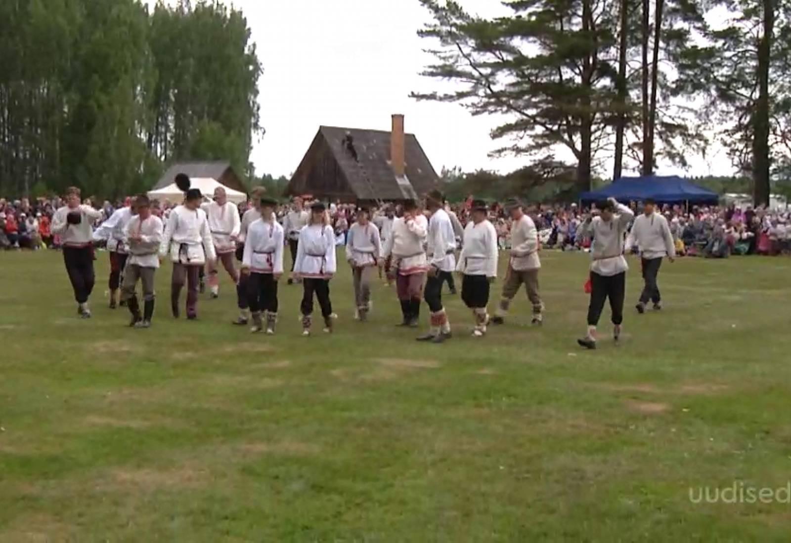 VIDEO! Setomaa folgipeol toimus ka meeleolukas tantsupidu