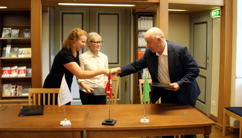 Ida-Tallinna Keskhaigla sõlmis koostööleppe Vanalinna Hariduskolleegiumiga, et anda noortele teadmisi meditsiinist
