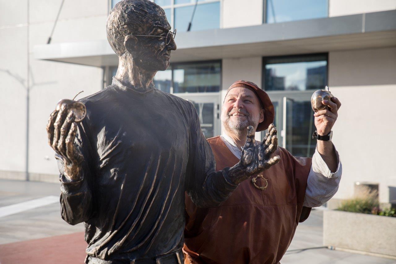 Teaduspark Tehnopol tähistas Jobs´i ja Gates´i skulptuuride avamisega 15. sünnipäeva