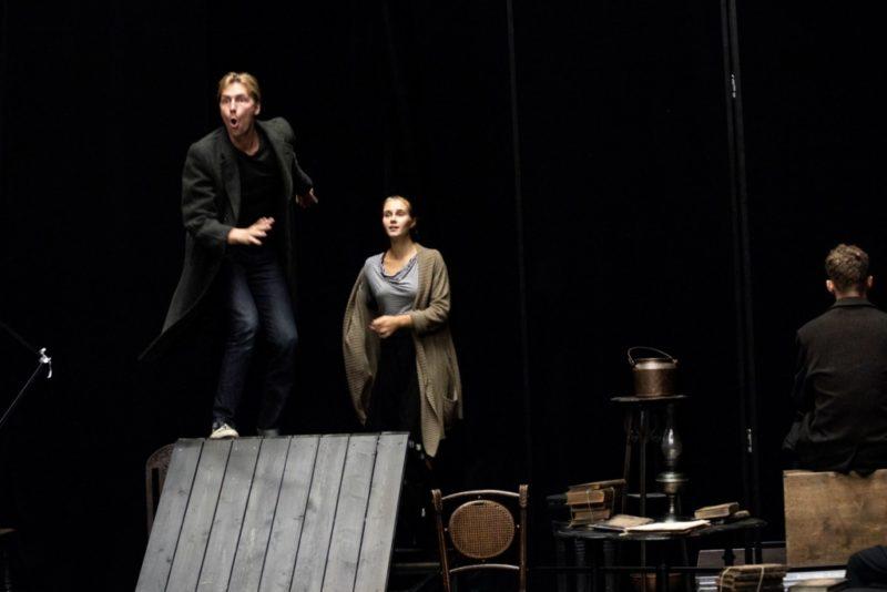 """NUKU teatris esietendub A. H. Tammsaare """"Noored hinged"""""""