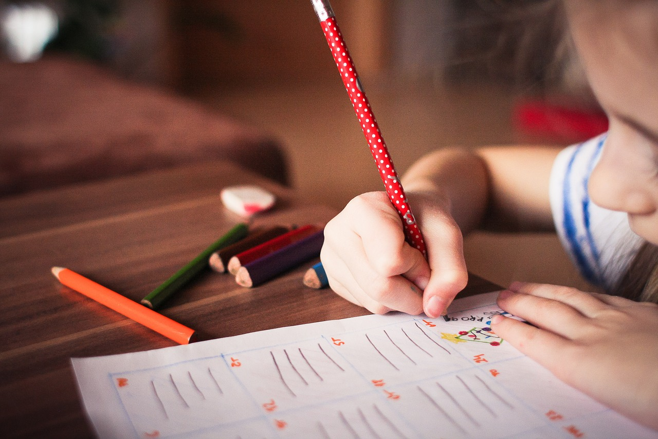 Tallinn toetab laste koolitee algust 320 euroga
