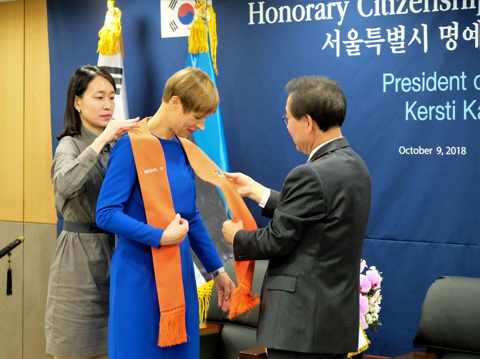 President Kaljulaidist sai Seouli aukodanik