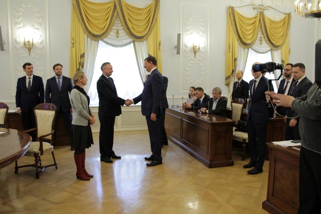 Taavi Aas kohtus Peterburi kuberneri kohusetäitjaga