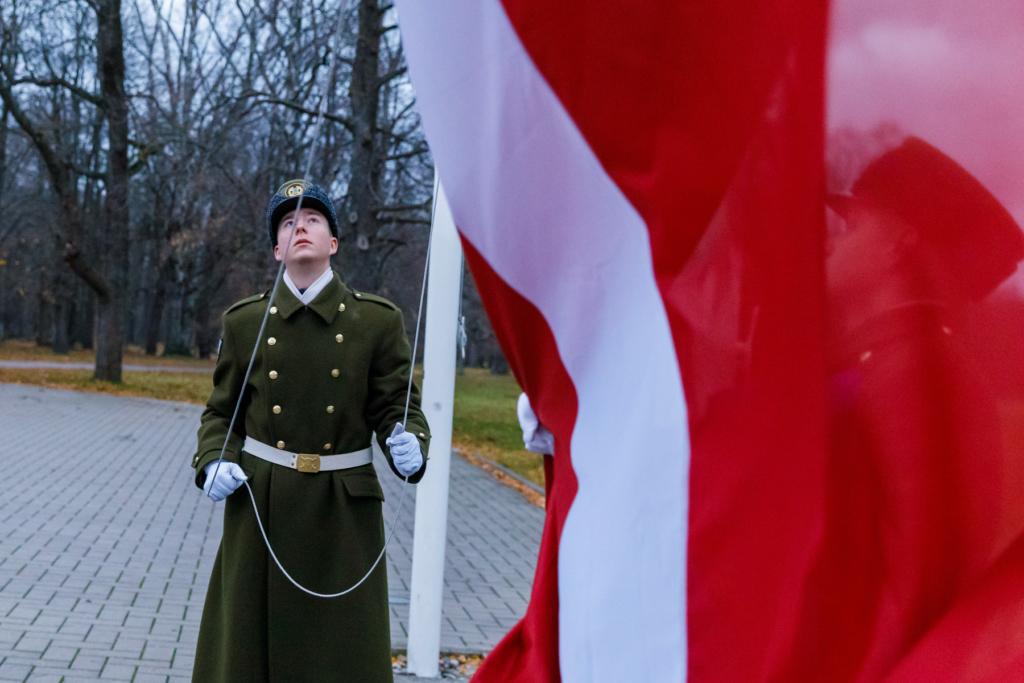 PALJU ÕNNE LÄTI! President Kaljulaid Läti 100. aastapäeval: aeg on meid kokku kasvatanud ja tugevaks teinud