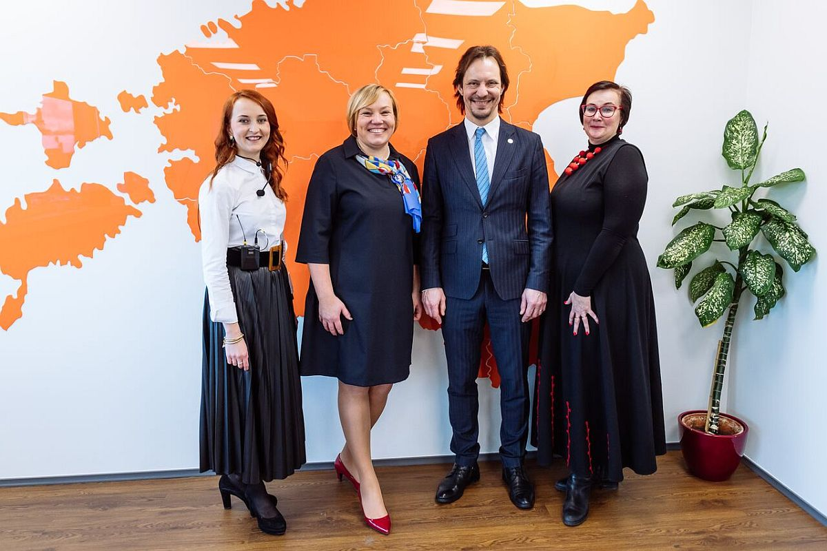 Fotod! Eesti keele maja avas uksed