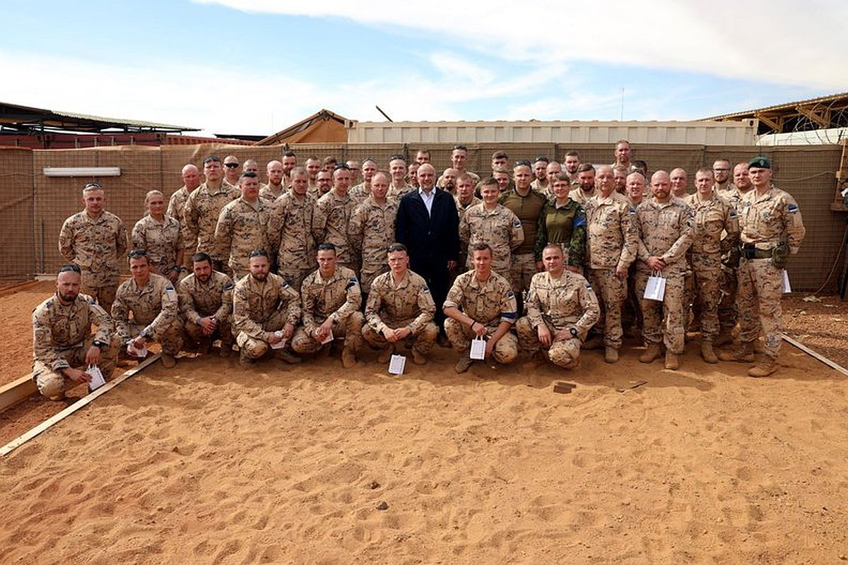Kaitseminister kohtus Malis kaitseväelastega