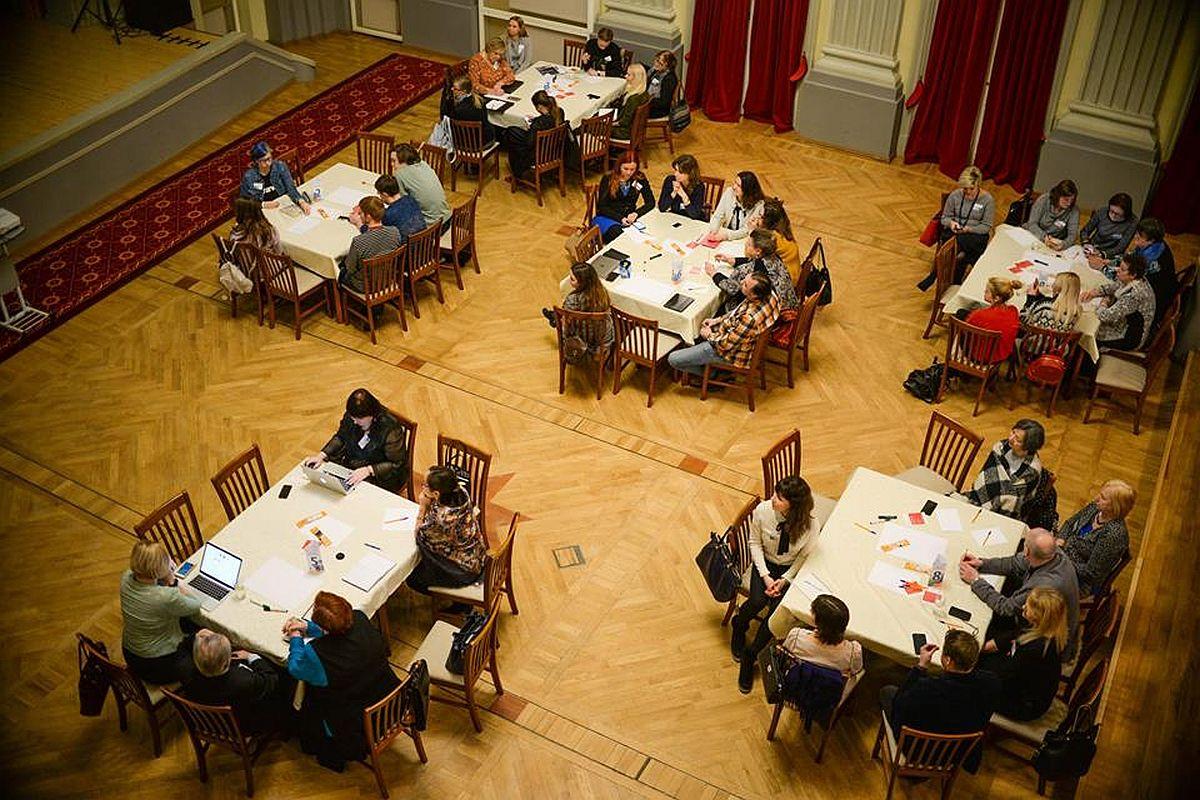 Fotod! Ettepanek Sillamäe foorumil: rohkem kohtumisi kultuuritegijatega