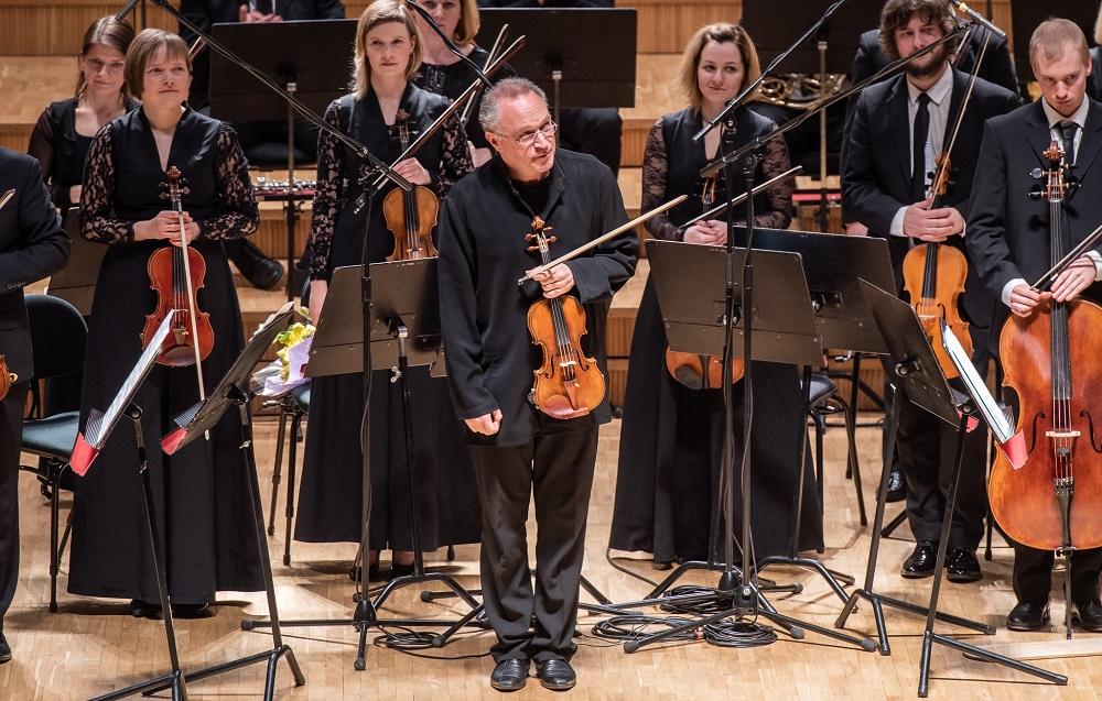 Berliini Filharmoonikute kauaaegne kontsertmeister Kolja Blacher andis kontserdi Tallinnas