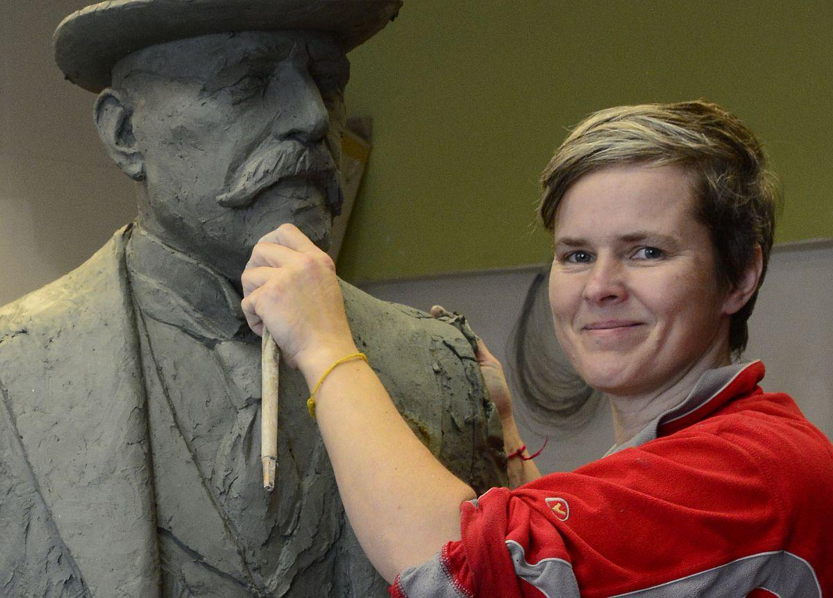 Skulptor Elo Liiv avab Rotermannis näituse
